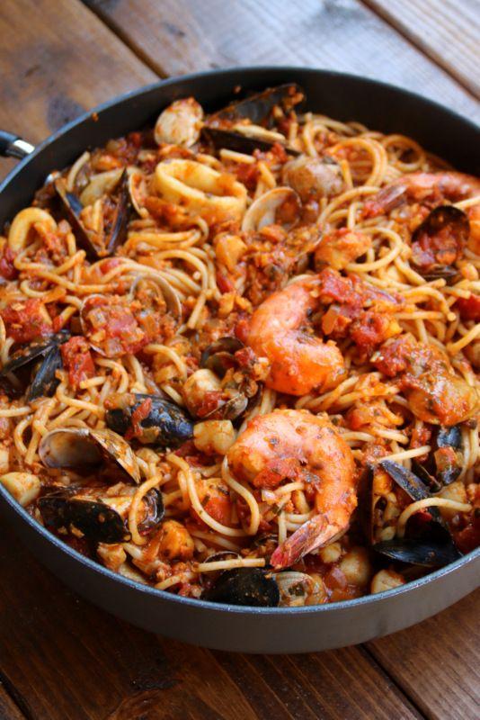 Seafood Spaghetti {Tallarines con mariscos}