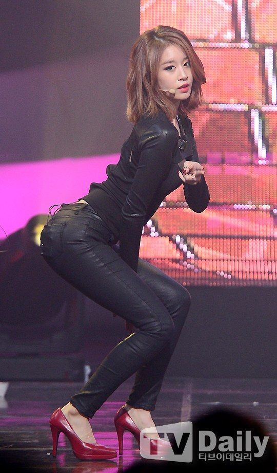 Jiyeon Number 9 live