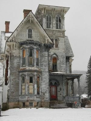 Abandoned house in Coudersport, Pennsylvania. by pathkelly