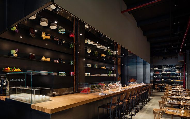 Obicà Mozzarella Bar is an Italian restaurant and pizzeria in the heart of Flatiron District in New York City. Obicà Flatiron offers the freshest Mozzarella di Bufala Campana DOP and traditional Italian dishes in a friendly welcoming atmosphere.