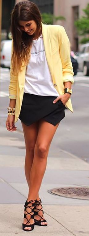Yellow Boyfriend Blazer, Zara Shorts & Strappy Heels <3 L.O.V.E.-looks like the blazer Elaine Benes wore on Seinfeld.
