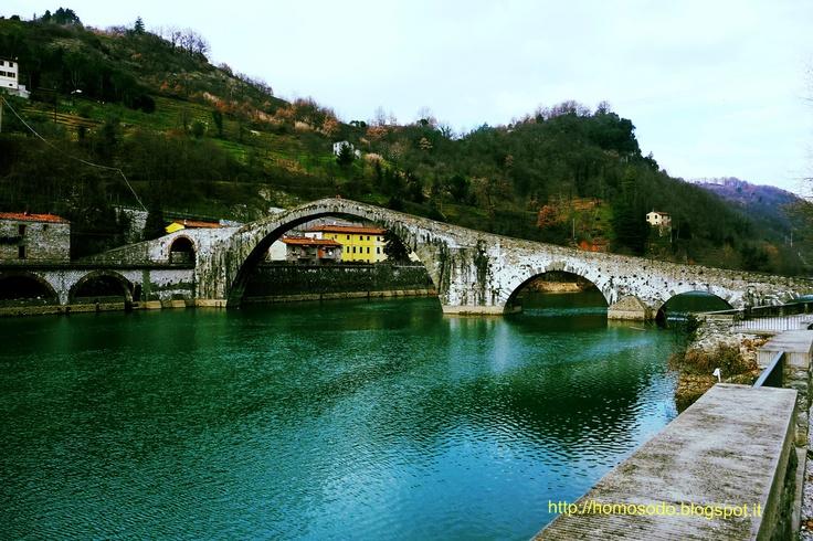 Homo Sodo: Il Ponte del Diavolo a Borgo a Mozzano (Lucca).