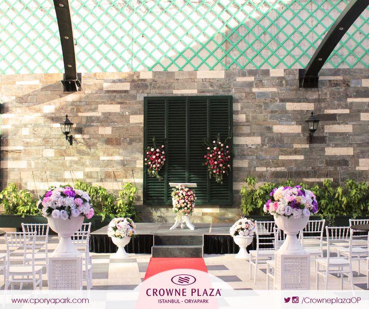 Hayalini kurduğunuz düğünü gerçekleştirecek profesyonel ekibimiz ile #CrownePlazaOryapark Ailesi olarak yanınızda olmaktan mutluluk duyarız.  #cporyapark #düğün #düğündekorları #masasüsleme #düğünmekanı #dekorasyon #crowneplaza #istanbul