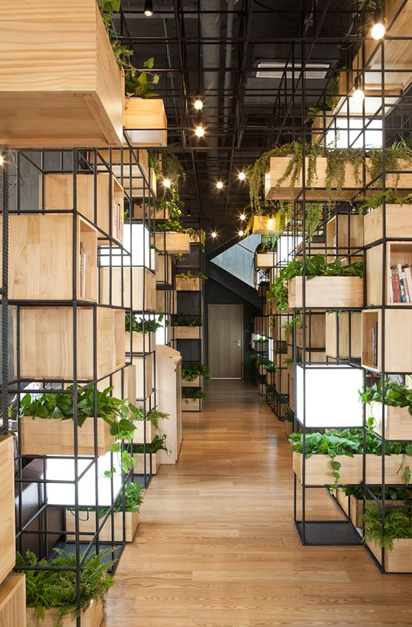 We have been commissioned by the Beijing-based property developer Hongkun to lay out a concept for its café brand Home Café with potential to spread it throughout China. The café chain will incorporate various concept versions to offer spaces to breathe in heavily polluted areas of China. Two debut locations opened its doors in Beijing and Tianjin.   With air pollution being a major issue in Chinese cities, Penda decided to create a café for visitors to take a deep breath of clean air.