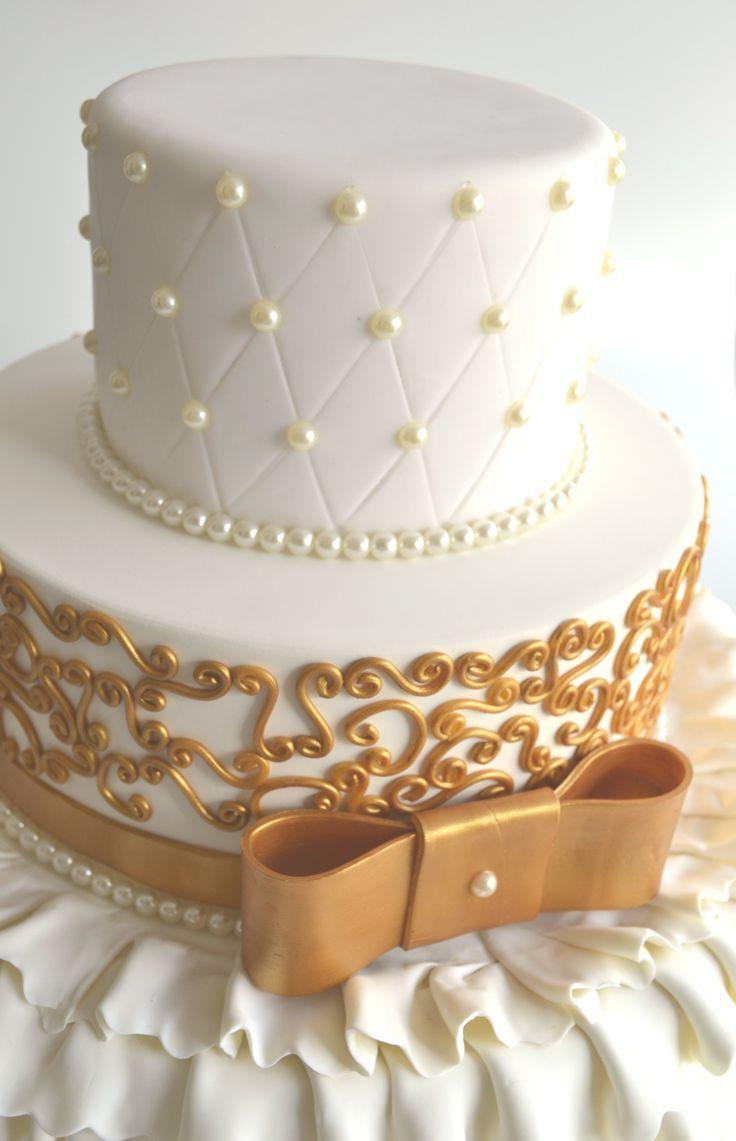 bolo para 15 anos dourado - Pesquisa Google