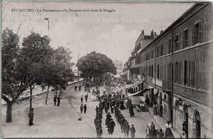 Foto storiche di Roma - Fiumicino. La Processione di Maggio Anno: 1912