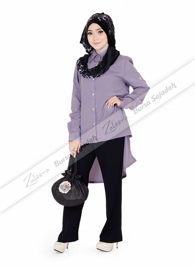 Myesha Tunik, atasan wanita dengan warna lavender yang anggun ini memiliki bentuk kerah unik serta panjang baju berdesain asimetris yang stylish. Terlebih lagi, tunik all size ini dibuat menggunakan bahan silky chanel yang tidak terlalu berkilau, halus, dan ringan sehingga sangat pas untuk aktifitas bepergian Anda.