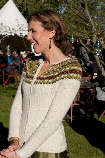 ♦Georgeous. Fair Isle Yoke Cardigan by Elizabeth Zimmermann. http://www.ravelry.com/patterns/library/fair-isle-yoke-cardigan/people