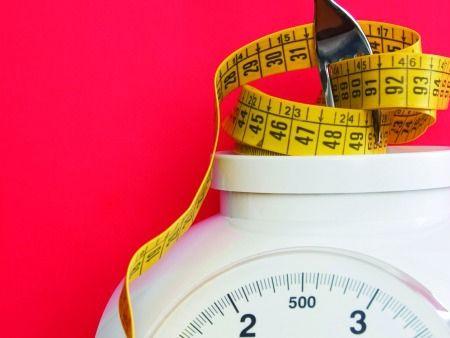 Uma dieta rica em alimentos diuréticos e desintoxicantes, eficaz na redução de volume e no combate à celulite