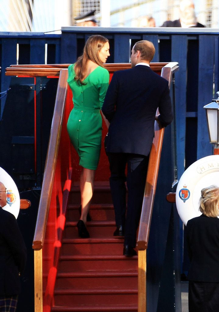 Kate Middleton and Prince William Photos - Zara Phillips And Mike Tindall Host Pre Wedding Party On Brittania - Zimbio
