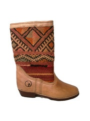 Atlas boots with rose kilim