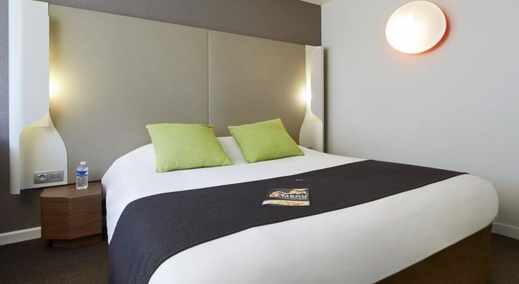 Campanile Tours Sud ~ Chambray-Les-Tours Chambray-lès-Tours Just south of Tours, near the famous Loire Valley castles, the Campanile Tours Sud hotel is close to the A10 motorway and offers quiet, comfortable accommodation and a restaurant.
