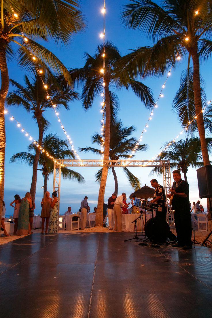 Aruba destination wedding - Renaissance Island. Copyright Winklaar Photography. www.winklaar.com www.facebook.com/winklaarphotography