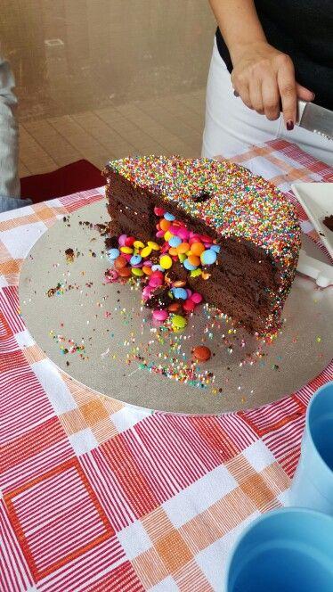 100s 1000s pinata cake!!