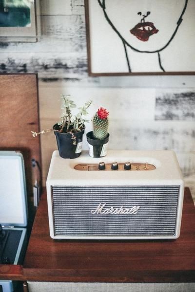 How to create a dreamy bedside table display: vintage radio, houseplants, art and more! | Brentwood Home