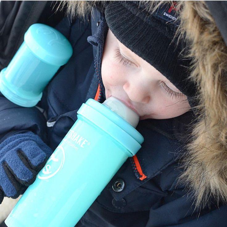 The favorite bottle and container filled with goodies  #twistshake #babybottle #babyboy #twistshakesleepyhead