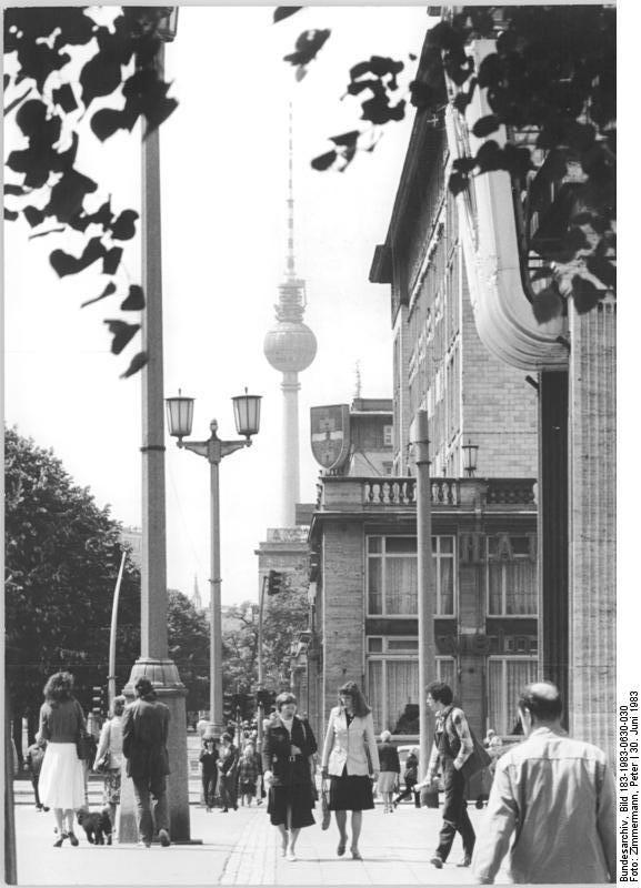 Berlin, Blick über die Karl-Marx-Allee 1983