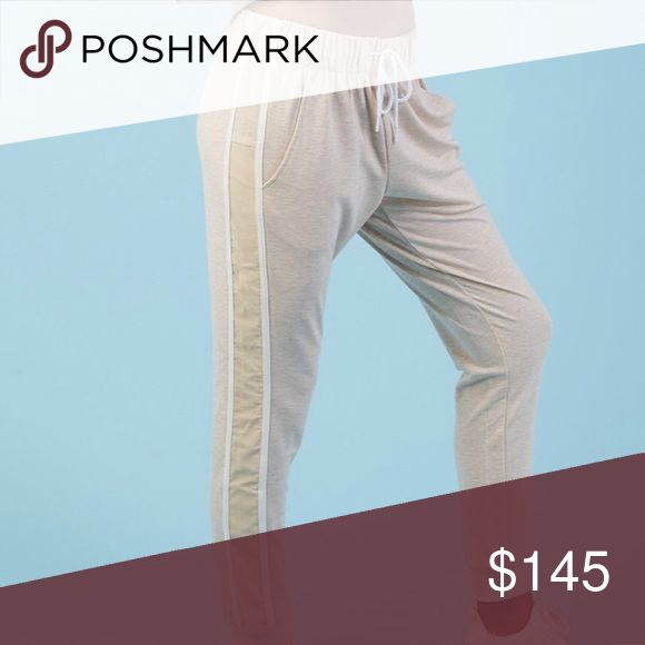 Nikki B x Gymshark Joggers in Vanilla Marl In XS and M, choose size below One of the first things that sold out on their launch Very flattering and comfortable Gymshark Pants Track Pants & Joggers