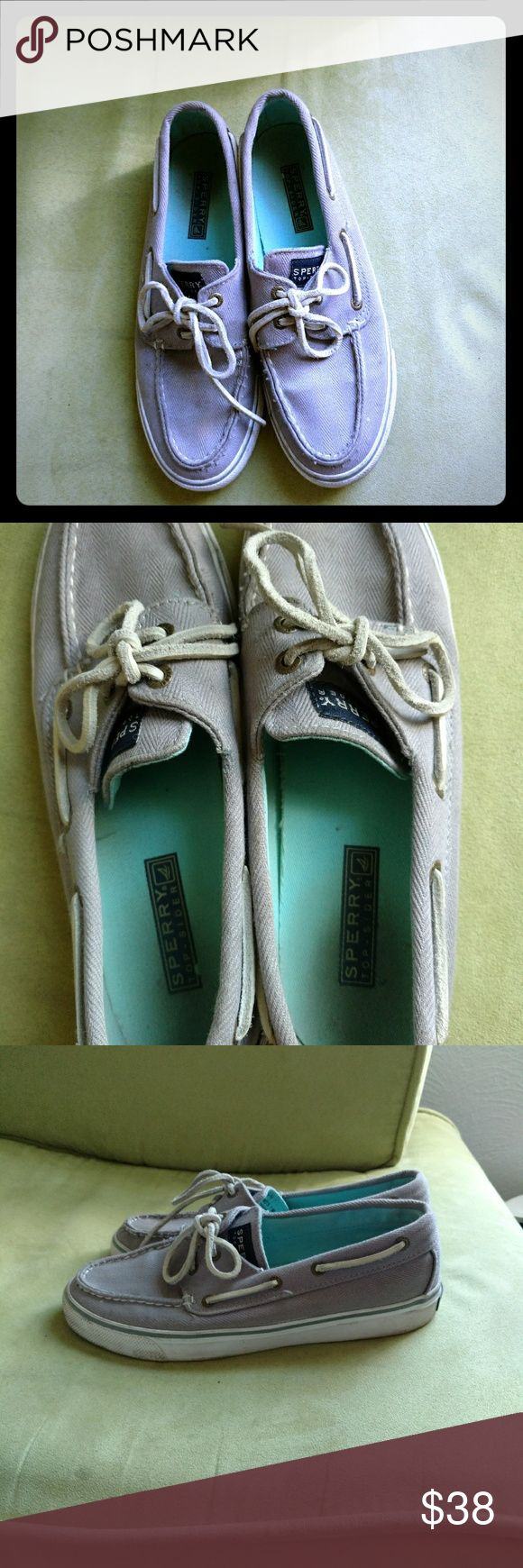 Sperry Top-Sider womens shoes, size 7. NICE! Great comfy shoes in good condition. Gray with tan leather laces. Certainly some marks (look at pics), from normal use but could be cleaned with some baking soda and scrubbing. ;) So much use left in these! Sperry Top-Sider Shoes