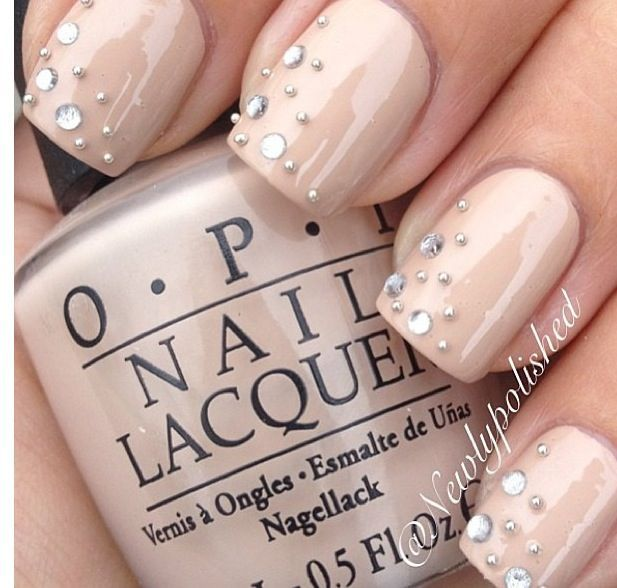 Love this look for prom nails.