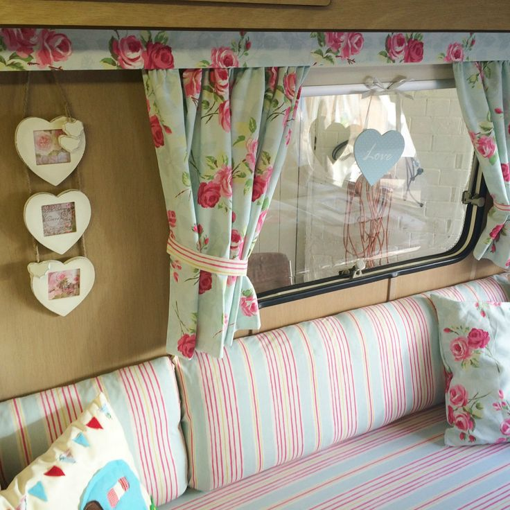 die besten 25 shabby chic wohnwagen ideen auf pinterest ford van kurze vorh nge und. Black Bedroom Furniture Sets. Home Design Ideas