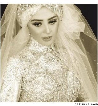 Vintage Arab bride. All white and diamonds.