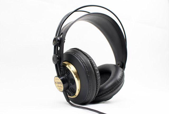 Sennheiser HD 800  :    odel changes at the upper end of Sennheiser's headphone line don't happen very often. The previ...
