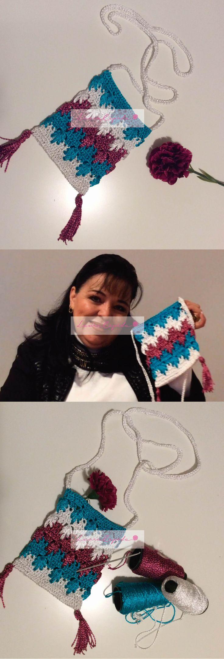 Bolsa Tejida con gancho. // Knitted bag with hook.