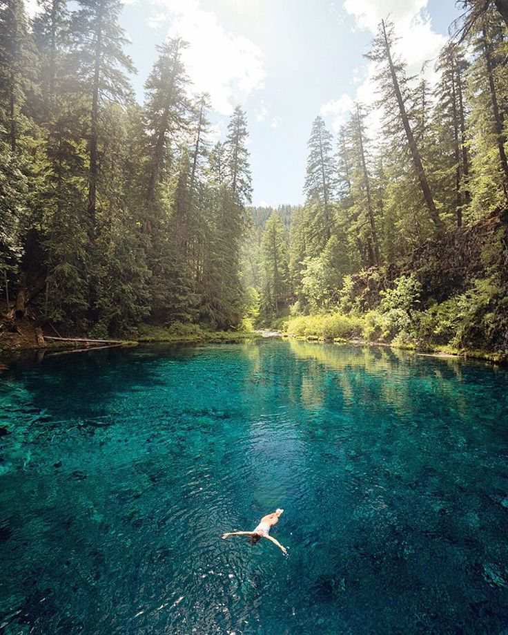 Blue pool, Oregon - I soooo want to be there!!!  Link to instagram for photo credit