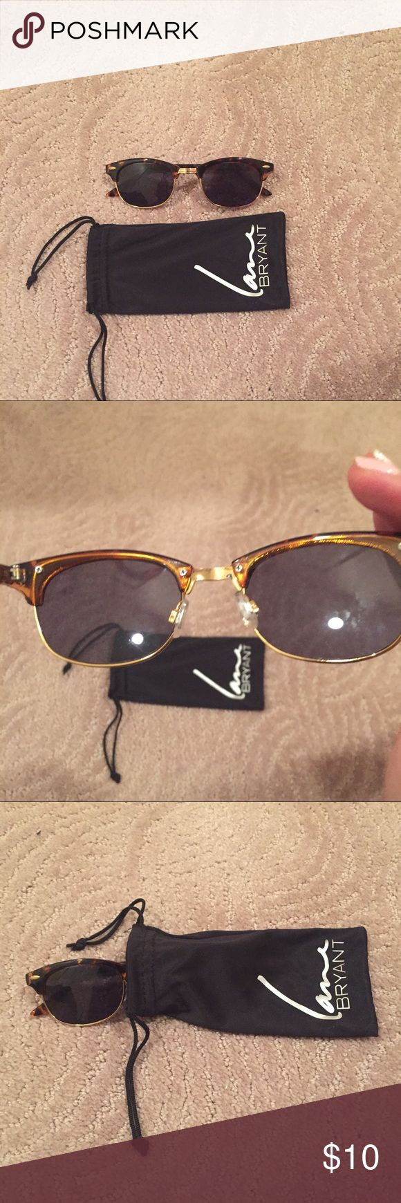 Layne Bryant tortoise shell frame sun glasses Gently used Layne Bryant sun glasses with bag Lane Bryant Accessories Sunglasses