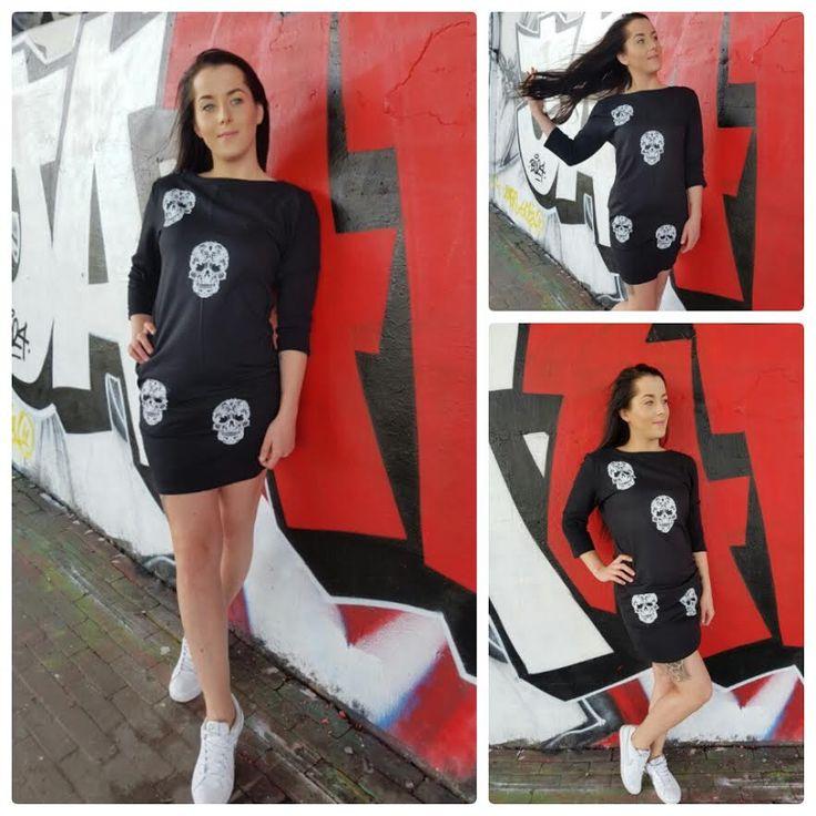 Korte zwarte jurk met skulls – Amsterdam Tattooing