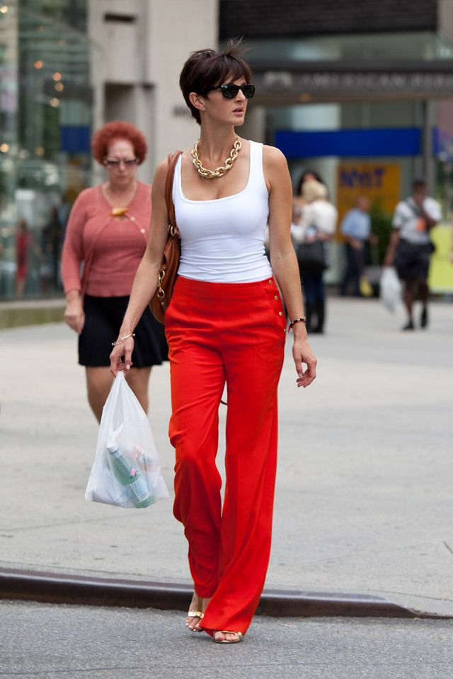 Red pants, white tank top, chunky gold necklace = easy