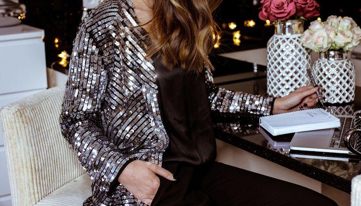 #warsaw #poland #milano #milan #home #grey #silver #greylook #silverlook #minimal #look #fashionblogger_pl #fashion #ootd #lookbook #drew #windy #hair #mod #classy #elegant #girl #travel #blogger #fashionblogger #homestyle #importantpart #winter  #xmas #c