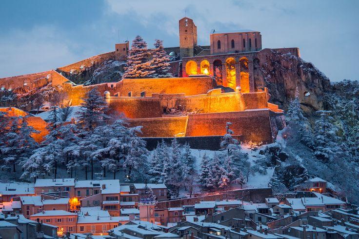 La Citadelle de Sisteron : France sous la neige : les plus belles photos - Linternaute.com Week-end