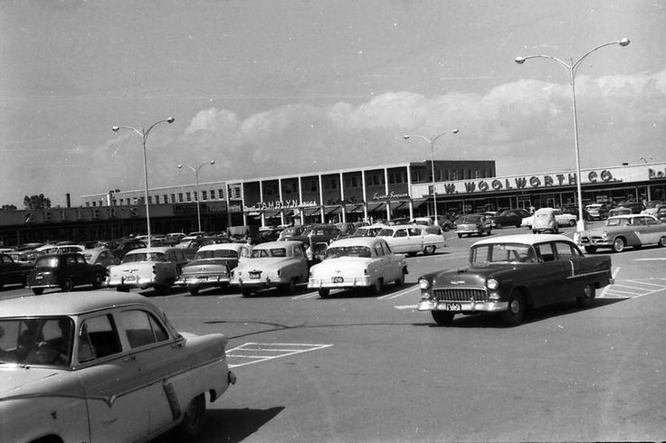 Zellers and Woolworths were common department stores in Canada's Shopping Centers in the 50s and 60s. These branches were located in the Carlingwood Shopping Center in Ottawa, picture taken by the end of the 50s decade. The shopping center still exists today with the two other anchors which were at opening in 1956, Sears and Loblaws. The above stores were integrated in the mall and became boutiques as of today. Source: City of Ottawa Archives