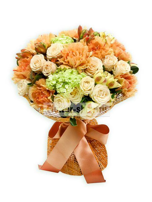 Сборные букеты и композиции Что может быть лучше десерта? Конечно же, не менее красивый и желанный букет из прекрасных цветов!