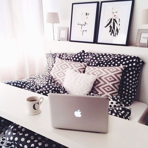 White walls with black and white bedding and decor #bedroomideas