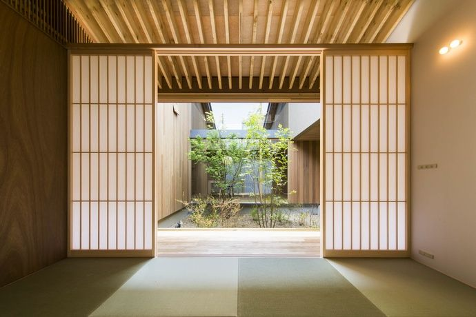 uemachi laboratory / house in mino