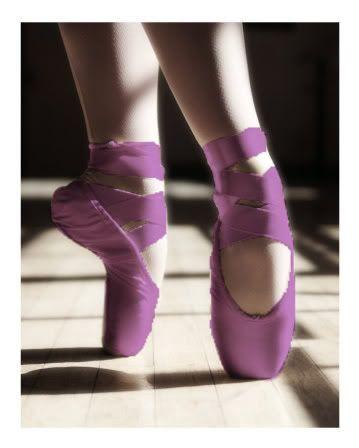 en pointe in purple