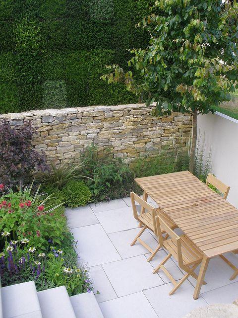 small modern garden design Pinned to Garden Design - Courtyards by Darin Bradbury