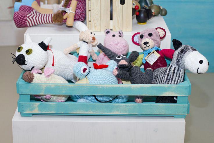 (c) Vnímavé hračky, predajňa v OC Cubicon Háčkované, ručne robené slovenské hračky