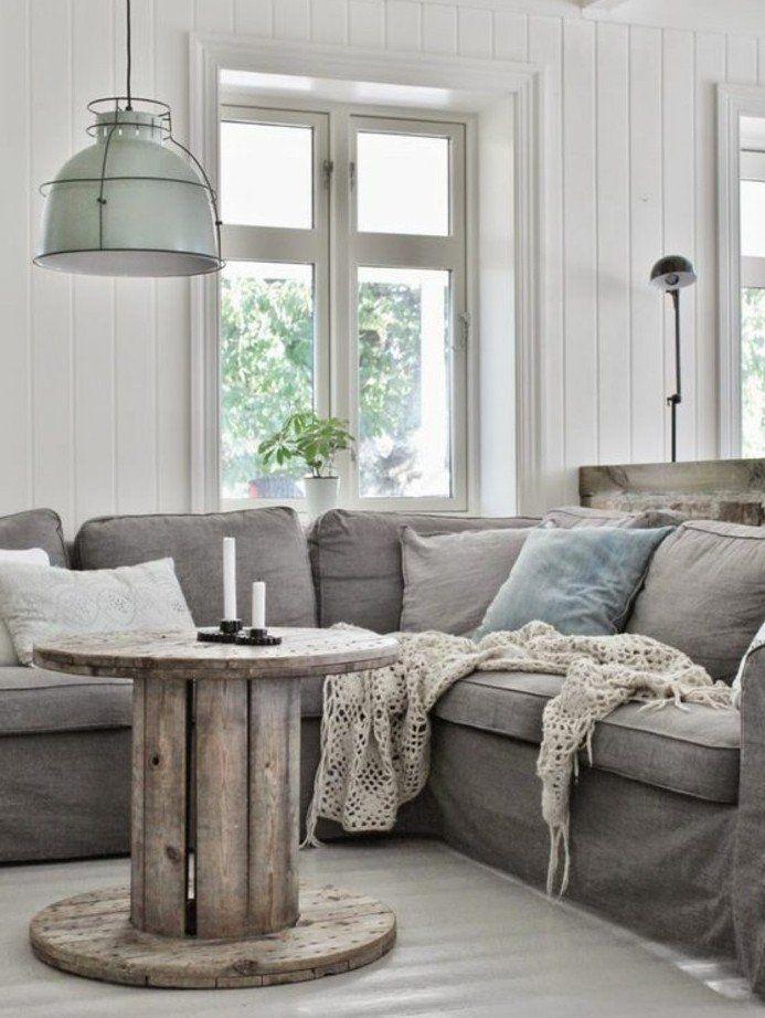 exemple de touret table basse à fabriquer soi meme pour votre salon style rustique industriel, suspension industrielle, canapé gris