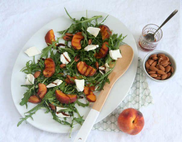 gegrilde perziken met rucola