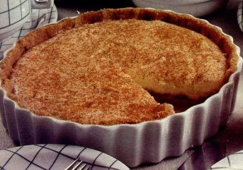 Torta de Maçã Rápida   Que tal preparar uma deliciosa Torta de Maçã sem 30 minutos?  A gente ter ensina a fazer essa delicia...