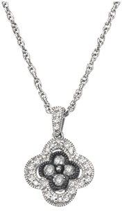 Ax Jewelry Diamond Clover Necklace In Sterling Silver (0.25 Cts, H-i,i2 And Grey Diamonds).