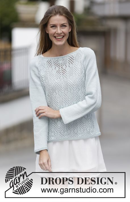 """Strikket DROPS bluse i """"Cotton Light"""" med hulmønster, raglan og knapper bagpå. Kan vendes og bruges som jakke. Str S - XXXL. ~ DROPS Design"""