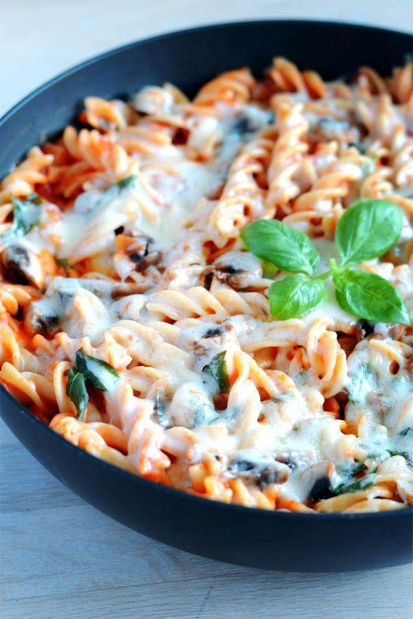 Pasta Hawaii er pasta-versionen af den kendte Pizza Hawaii.