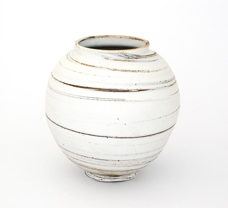 39 Best Moon Jar Images On Pinterest Moon Jar Ceramic