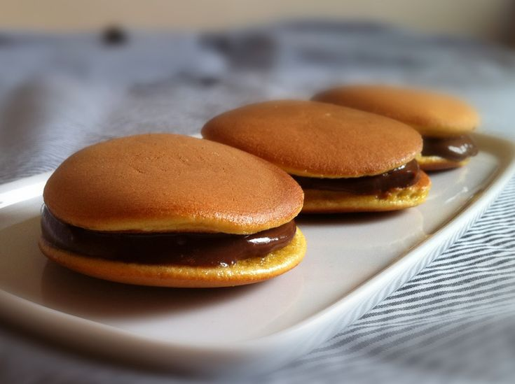 Chocolate Dorayaki (Japanese pancake sandwich with chocolate custard) ~ The Trishaw