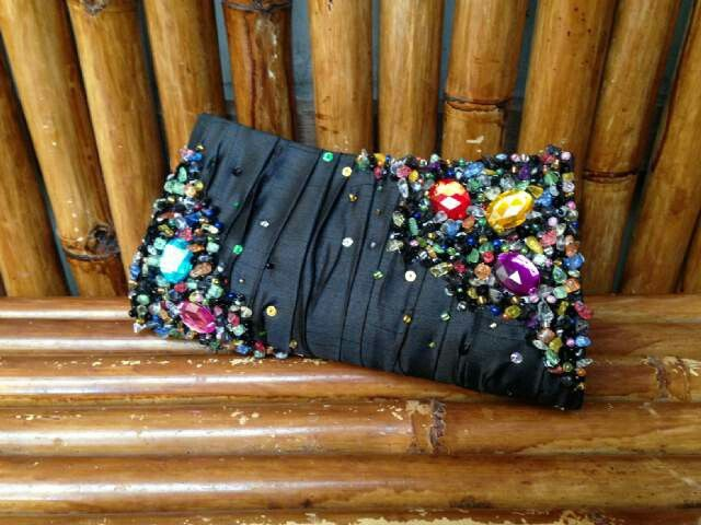 Shiny yet elegant in black #clutchbag #eveningbag #partybag